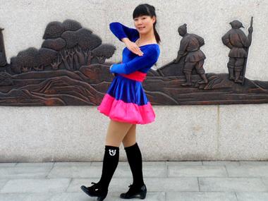 动动广场舞雪山姑娘 正背面演示与口令分解动作教学 编舞:西梅 糖豆广场舞课堂2015-01-14