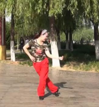 美久广场舞逛吃逛吃 正背面演示与分解动作教学
