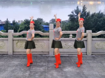 飞舞广场舞火恋 正背面演示与分解动作教学